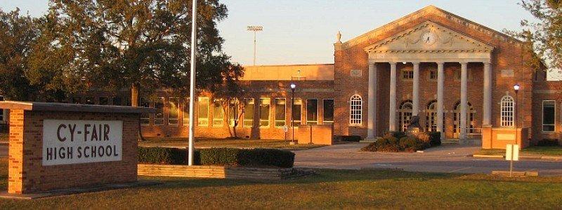 德克�_斯州�普拉斯的Cy-Fair高中