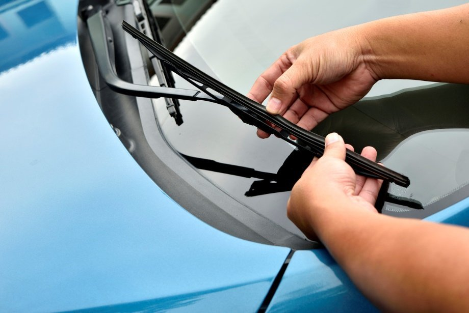 How to replace windshield wipers