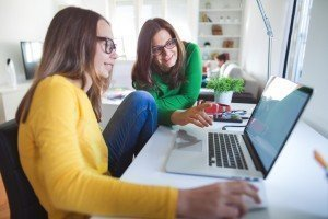 Classroom instruction vs. online drivers education: Which is right for your teen?