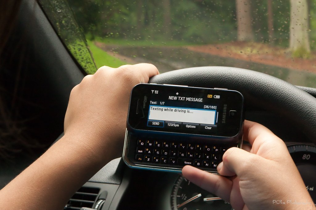 penalty for texting and driving