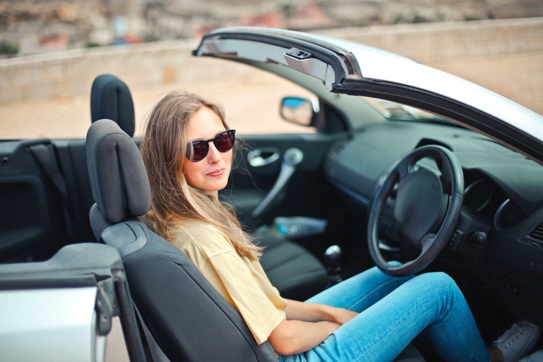 teen driving a car driversed.com