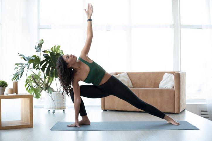 Le yoga peut aider à augmenter la mobilité et à soulager les douleurs lombaires et les muscles du bas du dos.