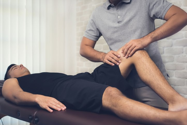 Physical therapy is an important element of pain in tendons of the knee