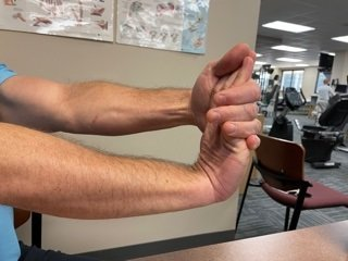 wrist flexor stretch is one of the best exercises for golfers elbow
