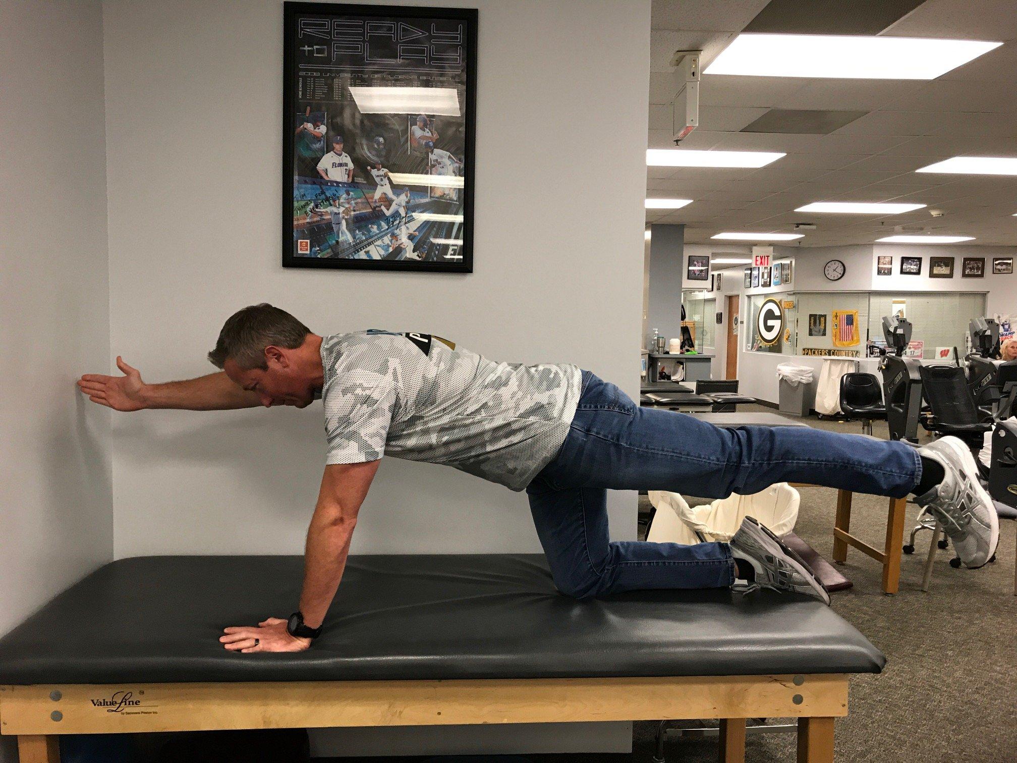Example of Quadruped Opposite Arm/Leg Lift