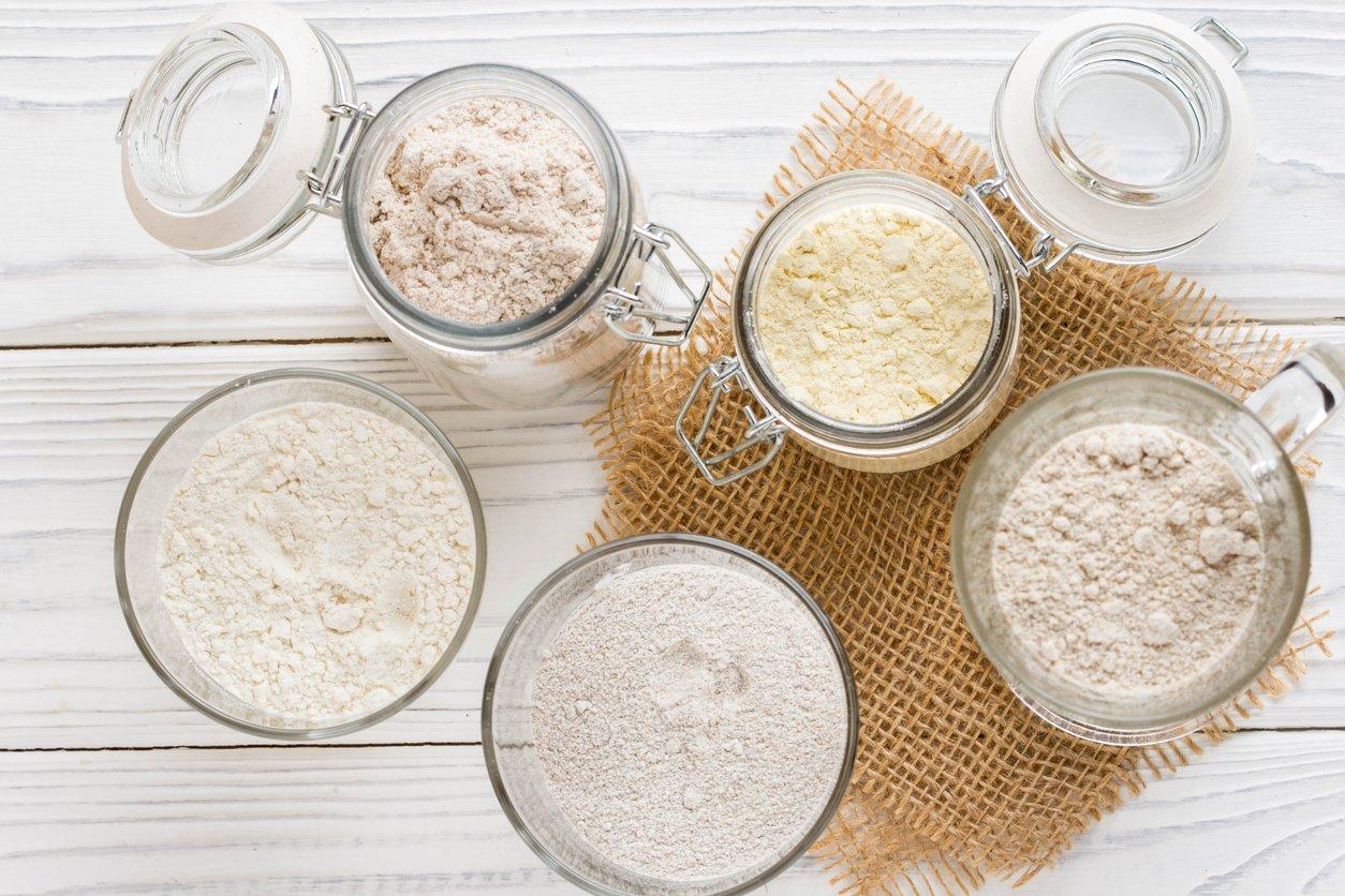 carbs in flour