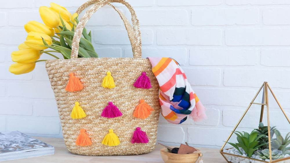 featured image of 9 Handbag and Tote Bag Designs on a Budget article