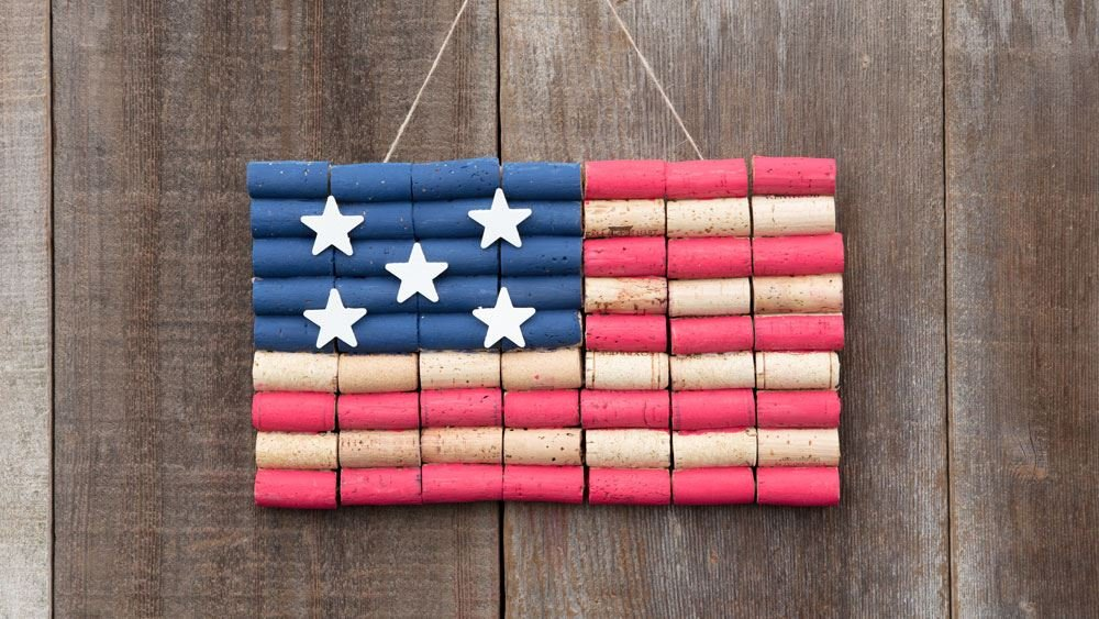 featured image of Americana Crafts You'll Want to Keep on Display All Season Long article