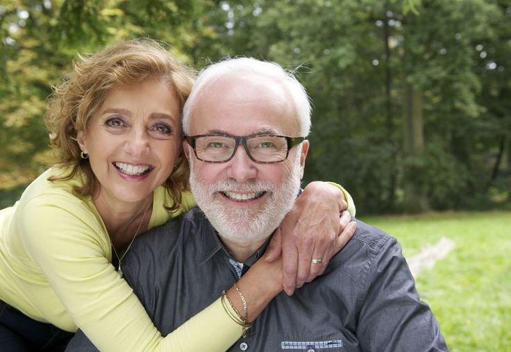 dental insurance for seniors illinois happy senior couple