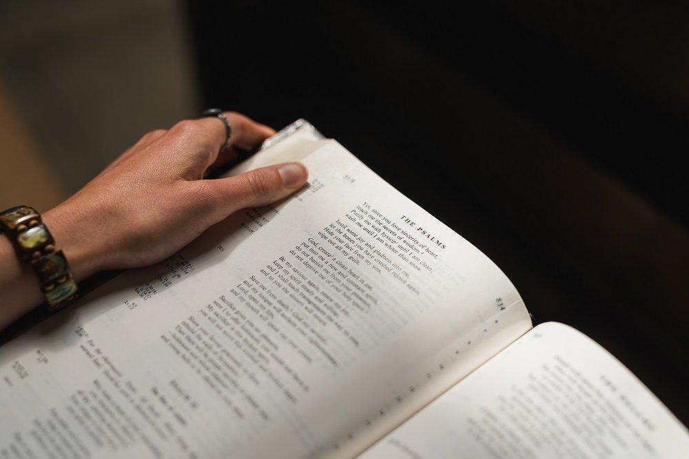 Read open Bible